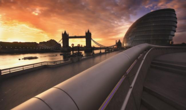 city-hall-dawn-london