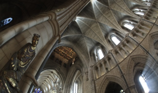 southwark-cathedral-interior-fisheye